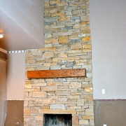 Fon-DuLac-stone-veneer-fireplace